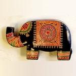 革製ゾウの貯金箱
