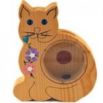 木製のネコ貯金箱